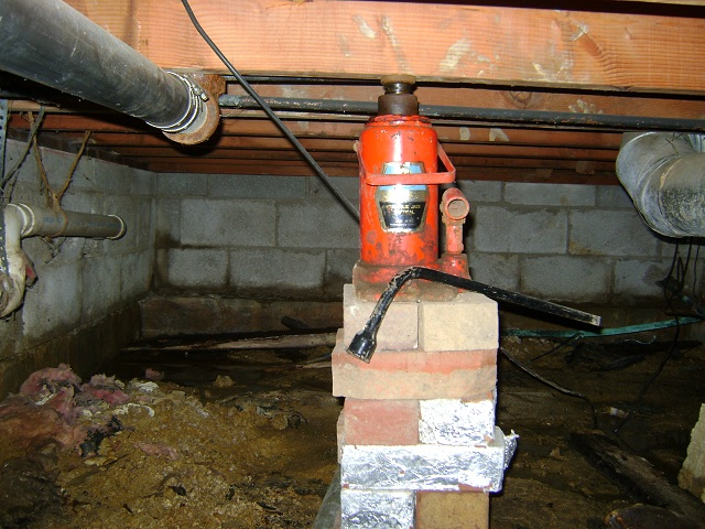 A 1 Home Inspection Of Tunnel Jack Holding Up A Floor Joist!